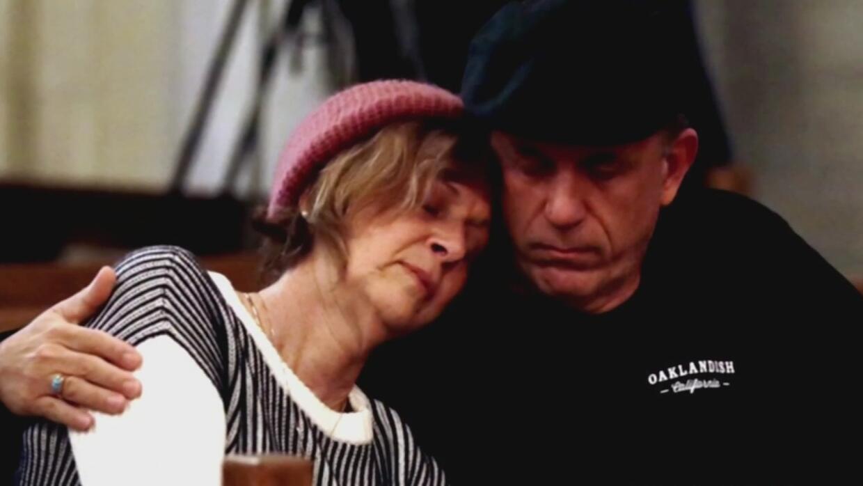 Familiares de los desaparecidos en incendio de almacén en Oakland pierde...