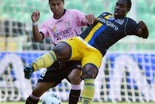 Palermo y Parma protagonizaron uno de los partidos más reñ...