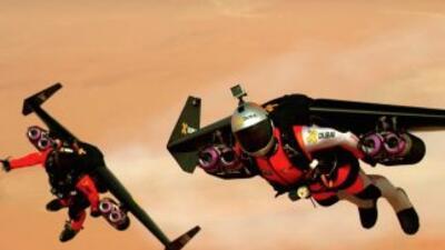Los paracaidistas Yves Rossi y Vince Reffet acaban de hacer realidad el...