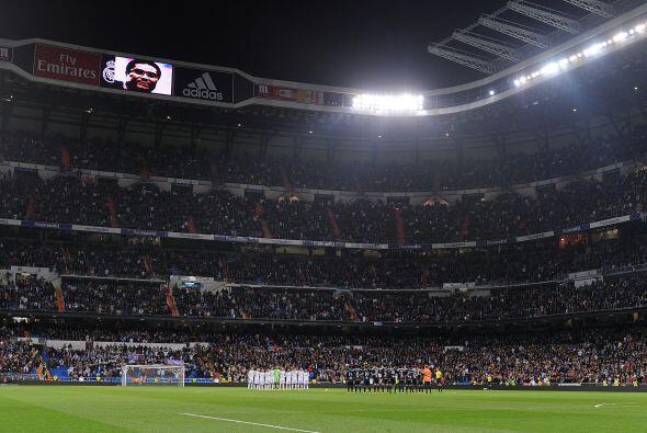 El fútbol de la Liga española volvía al estadio Santiago Bernabéu, que r...