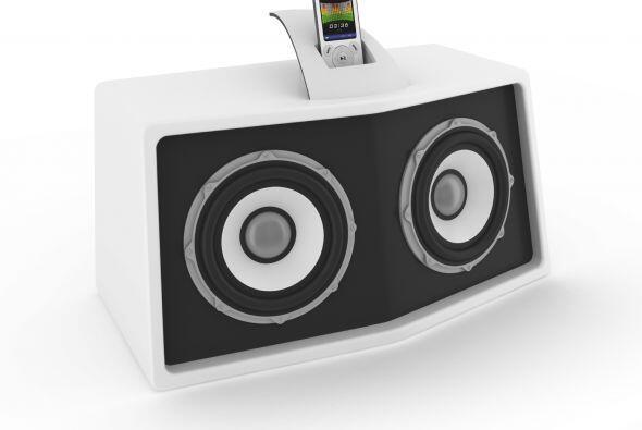 Un dock. Si eres de las que acumula toda su música en su iPod o en su te...