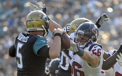 La defensa de los Texans mantuvo a raya a los Jaguars.