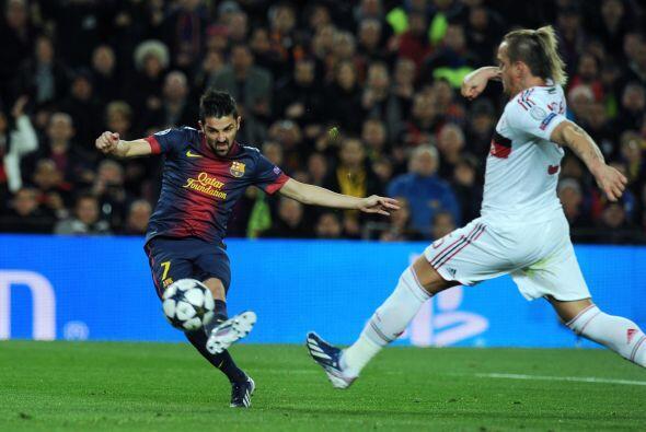 A los 9 minutos de la segunda parte un pase de Xavi dejó a David Villa s...