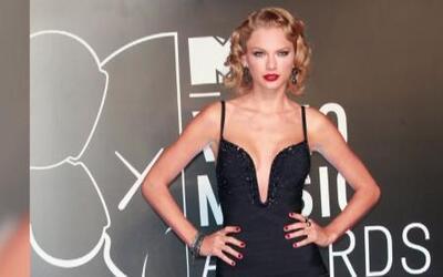 Rodner Figueroa y su lista de mejores y peores vestidos de MTV VMA's 2013