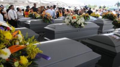 El Salvador confirma plena identidad de 10 asesinados en México.