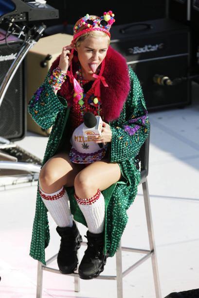 El día que no veamos a Miley Cyrus enseñar la lengua, en v...