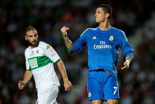 Los goles no llegaban y la desesperación se notaba entre los 'merengues'.