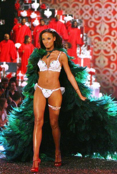 Otra de las bellezas de este séquito fue Selita Ebanks, quien en 2007 pr...