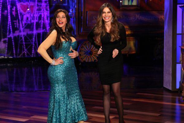 Tanto furor causó el famoso vestido verde de los Emmy que hasta Ellen De...