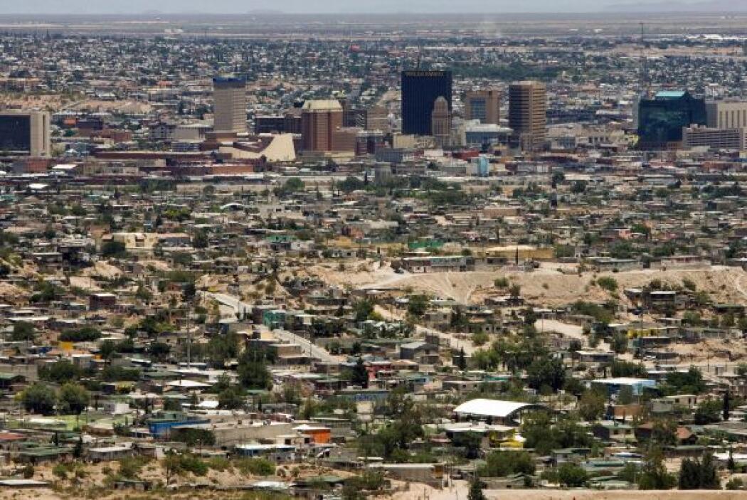 El contraste entre Ciudad Juárez y su vecina estadounidense, El Paso, es...