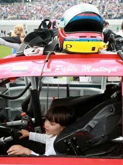 Al parecer, la pequeña hija del piloto colombiano pretende seguir...