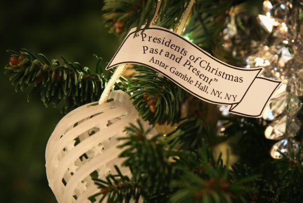 Pero, el árbol de Navidad oficial de la Casa Blanca es enorme