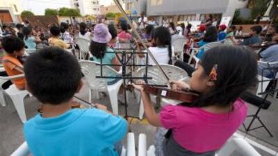 """Las orquestas comunitarias """"DO RE MI""""fueron creadas en Tijuana para niñ..."""