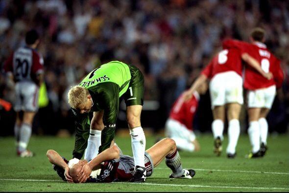 El plantel del Bayern estaba inconsolable, pero no faltaron los gestos d...