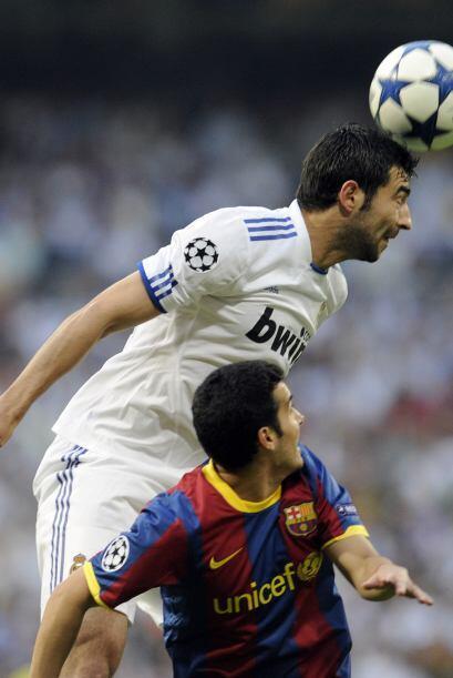 El Real Madrid se cerró más en la defensa  para evitar que el peligro ll...