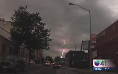 ¡Protégete de un rayo en medio de una tormenta!