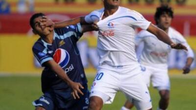 La quinta fecha del torneo hondureño fue empañada por una pelea entre af...