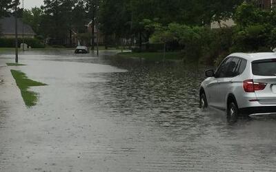 Inundaciones en Texas dejan al menos un muerto y varios desaparecidos