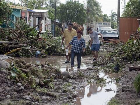 La emergencia en el sureste de México por las inundaciones, agravadas po...
