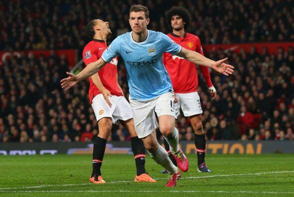 Edin Dzeko anotó un gol de vestidor y anotó otro al minuto 56.