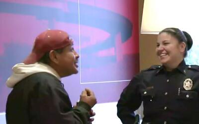 Programa 'Café con la Policía' busca acercar a la comunidad de Dallas co...