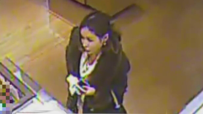 Buscan a la sospechosa de robo de identidad que gastó miles de dólares c...