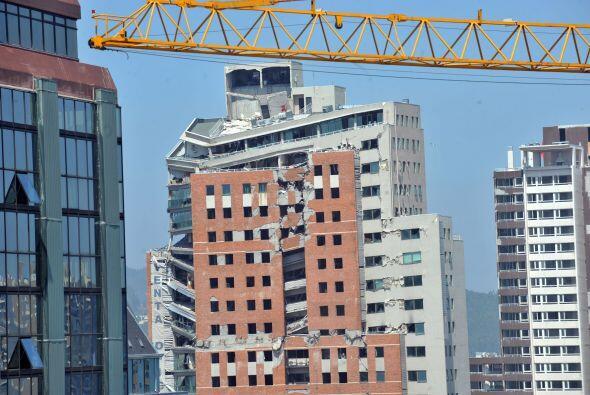 Según el sismólogo Sergio Barrientos, las réplicas...