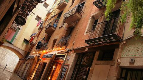 El barrio El Born, de Barcelona, donde ya fue instalada una de las super...
