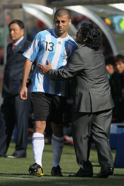 El entrenador argentino consoló a Samuel cuando salió lesi...