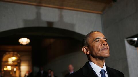 Hace siete años, Obama celebraba su mayor triunfo legislativo, hoy lucha...
