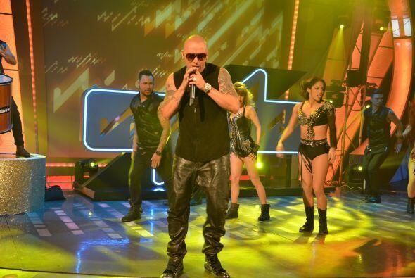 El cantante boricua se apoderó del escenario desde el primer segu...