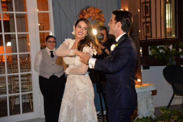 Después de los nervios por la ceremonia, Vanessa y Jorge estaban listos...