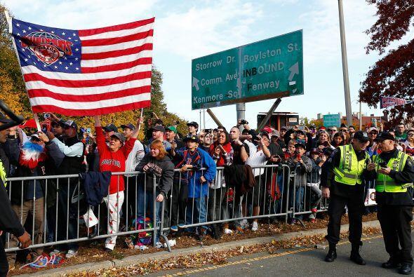Así Boston vivió un merecido día de fiesta deportiva.