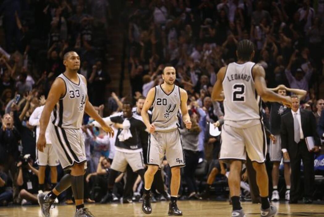 Como equipo los Spurs lograron un 44 (46-105) por ciento de acierto en l...
