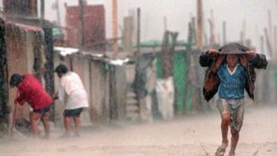 Las inundaciones en Perú han dejado alrededor de 15 mil damnificados.
