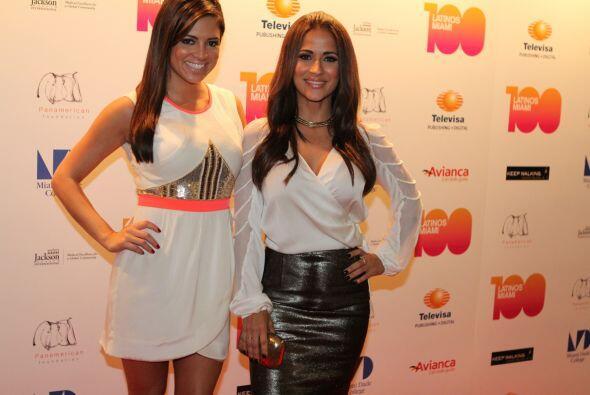 Pamela Silva Conde y Jackie Guerrido a su llegada al evento.