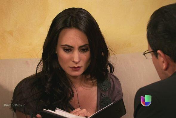 Teresa trata de resolver su vida, no sabe si acompañar a Dante ha...