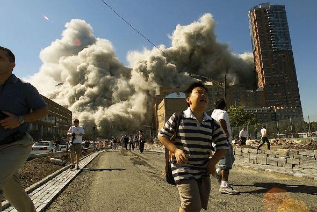 Las dos torres del World Trade Center se desplomaron tras ser impactadas...