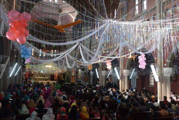 Se trata de la catedral de Lahore, en Pakistán.