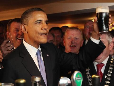 El presidente Barack Obama inició su gira europea tras u llegada a Irlan...