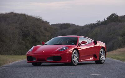 Este Ferrari F430 Berlinetta F1 de 2007 fue adquirido nuevo por Donald T...