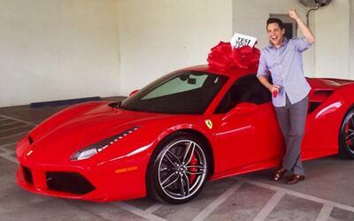 Alejandro Chabán recibió un increíble auto deportivo por su cumpleaños