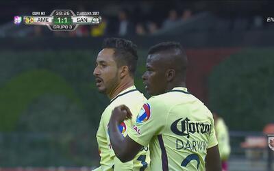 Fulminante disparo de Osmar Mares para marcar el empate ante Santos