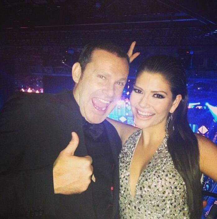 Ana Patricia celebrando con Alan Tacher la fiesta de los Latin Grammy.