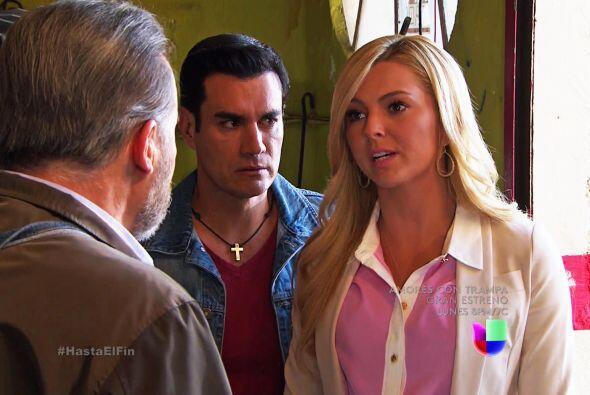 Por más que ella le insistió, don Paco no revelará que Octavio efectivam...