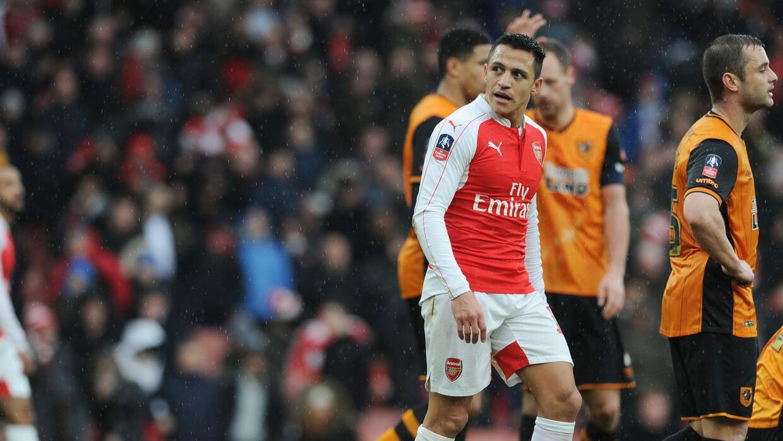 Alexis Sánchez no pudo ayudar al Arsenal a ganar