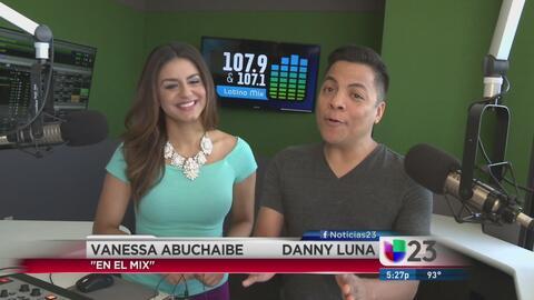 """""""En El Mix"""" con Danny Luna y Vanessa Abuchaibe - Lunes 7/18/16"""
