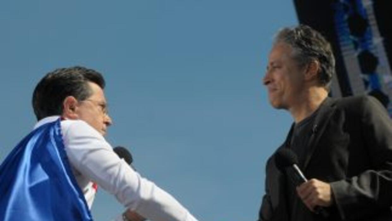 Los conductores televisivos Stpehen Colbert y Jon Stewart encabezaron la...