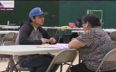 Foro informativo en Sacramento asesoró a jóvenes indocumentados para que...