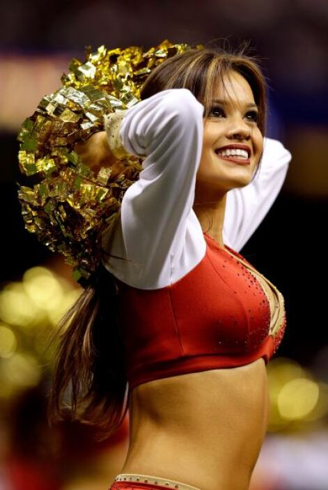 Las cheerleaders de los 49ers dieron todo su apoyo a su equipo. Lucieron...